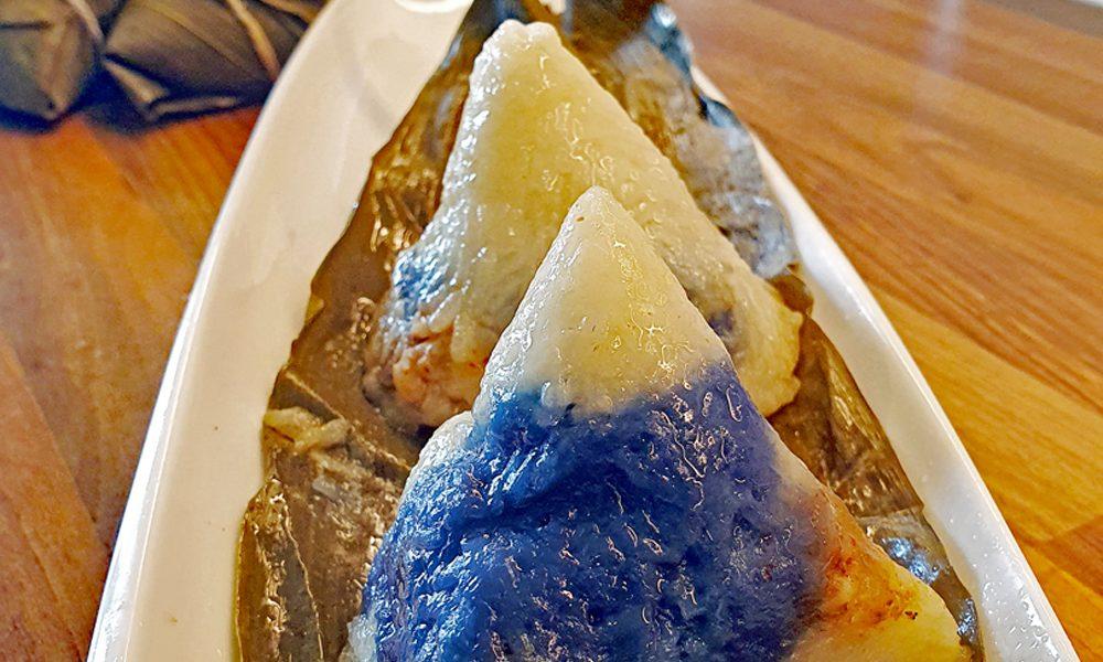Nyonya Dumpling with blue pea flower colour